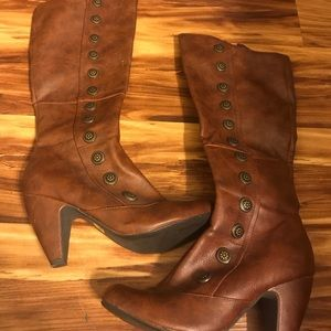 Tall Crown Vintage boots 6.5